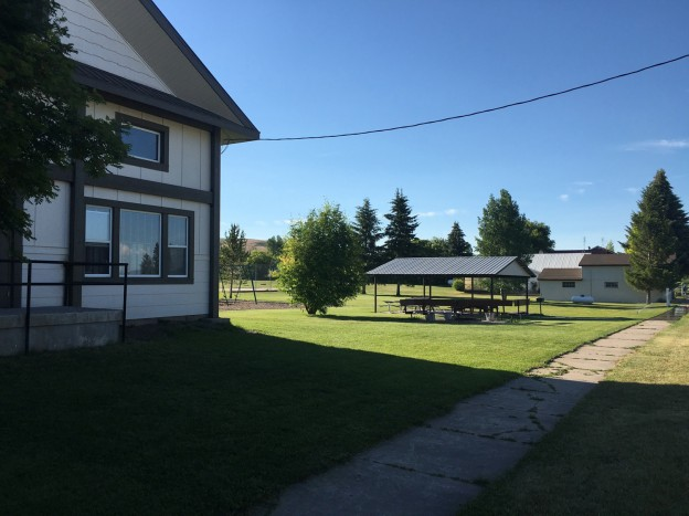 Front view to the picnic shelter